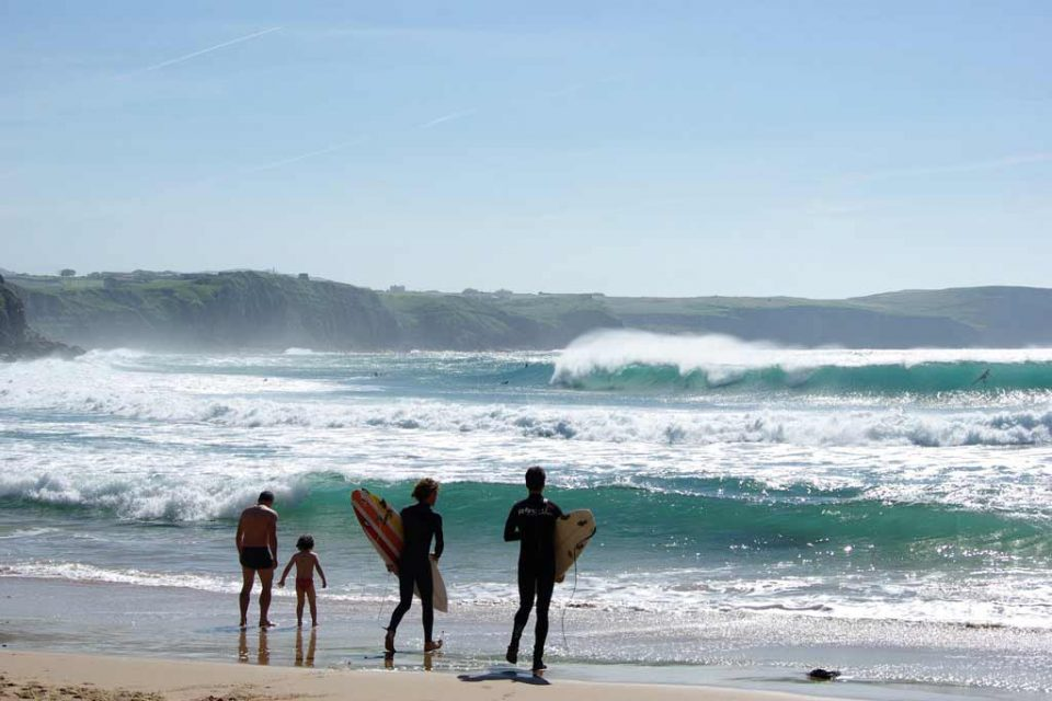 spain-holiday-surf