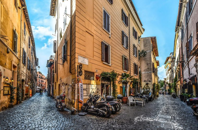 where-to-stay-in-rome-lead