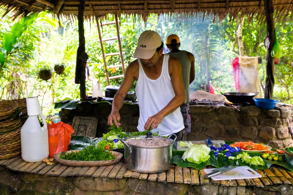 philippines-sailing-challenge the food