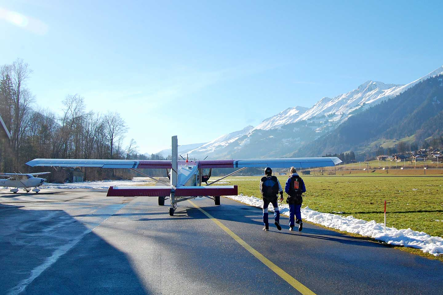 switzerland skydiving